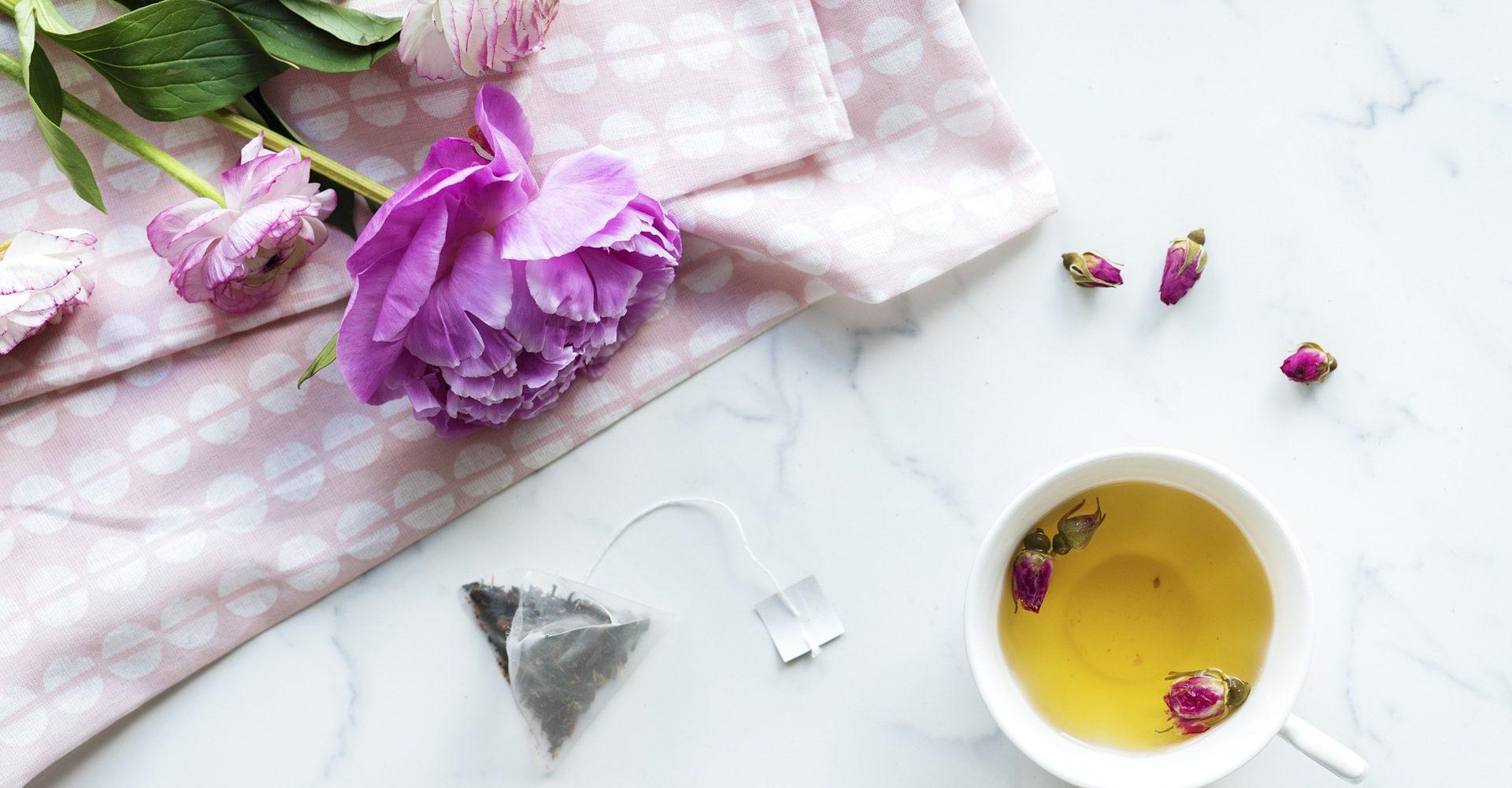 thé tasse fleurs